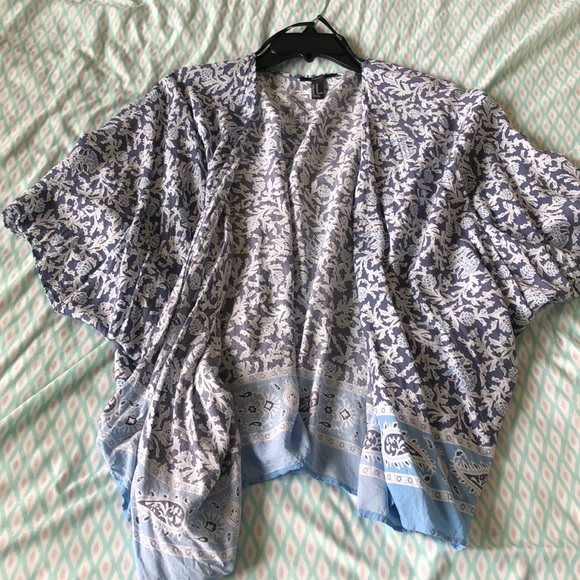 Forever 21 Sweaters - Light blue patterned cardigan